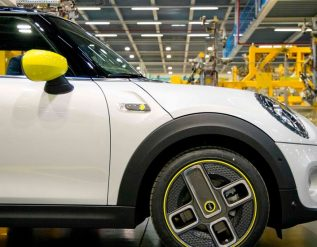british-auto-industry-risks-slow-decline-after-brexit