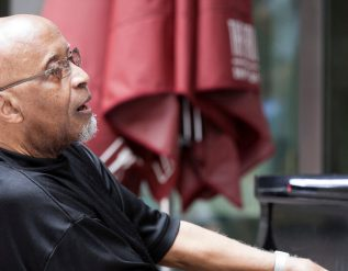junior-mance-jazz-pianist-who-played-with-giants-dies-at-92