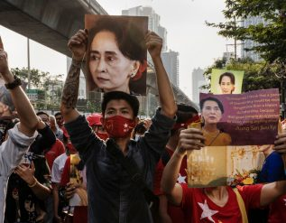 in-myanmar-coup-daw-aung-san-suu-kyi-ends-as-neither-democracy-hero-nor-military-foil