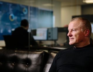 uk-fund-manager-neil-woodford-says-sorry-as-he-announces-comeback