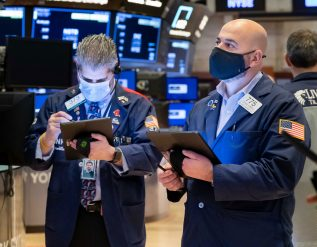 stock-futures-modestly-lower-after-dow-closes-at-record-high