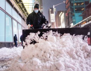major-snowstorm-slams-northeast-spurring-shutdowns-and-blackouts