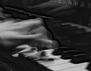 a-young-pianist-learns-liszt-from-listening