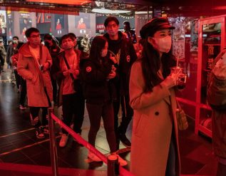 a-bored-china-propels-box-office-sales-to-a-record