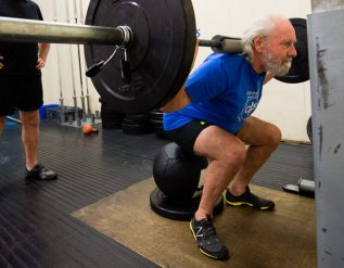intense-strength-training-does-not-ease-knee-pain-study-finds