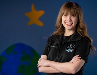 she-beat-cancer-at-10-now-shell-join-spacexs-first-private-trip-to-orbit