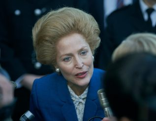 gillian-anderson-on-fictional-warning-in-the-crown