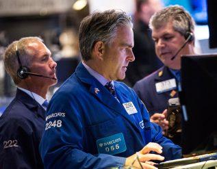 buffett-cut-apple-baron-tesla-billionaire-market-selloff-lessons