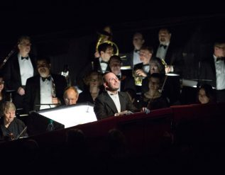 met-operas-music-director-decries-musicians-unpaid-furlough