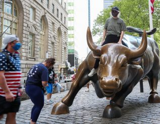 stock-futures-inch-higher-after-sp-500-marks-another-record-close
