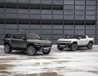 gm-unveils-electric-hummer-suv-topping-110000