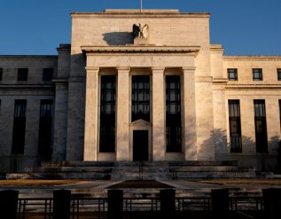 the-fed-leaves-rates-unchanged-as-economic-risks-remain