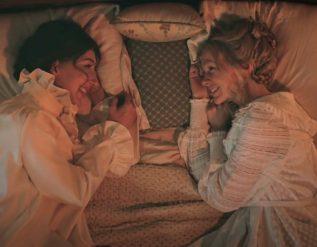 watch-saturday-night-lives-lesbian-period-drama-skit