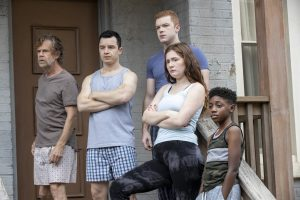 SHAMELESS, from left: Willliam H. Macy, Noel Fisher, Cameron Monaghan, Emma Kenney, Christian Isaiah, Nimby '(season 11, episode 1104, aired January 10, 2021).  Photo: Paul Sarkis / Showtime / Courtesy Everett Collection
