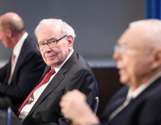 cramer-rejects-buffetts-stance-on-stock-picking-favors-hybrid-model