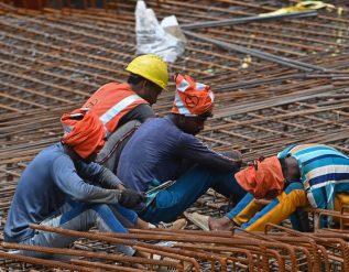 delhi-reopens-a-crack-amid-gloomy-economic-forecast-for-india