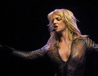 framing-britney-spears-the-long-fight-to-free-britney