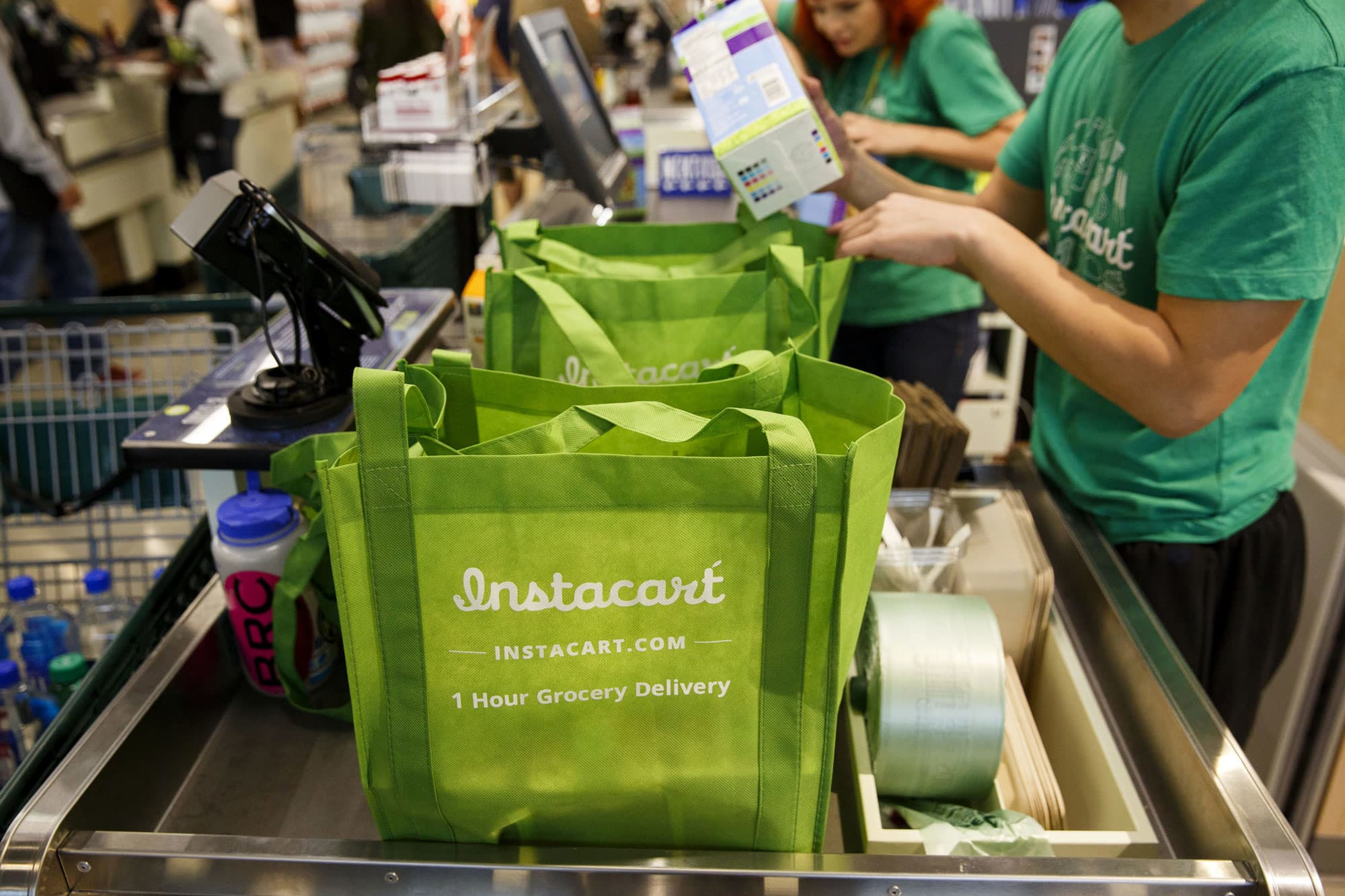 dollar-trees-family-dollar-taps-instacart-to-make-same-day-deliveries