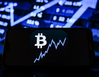 jpmorgan-goldman-closer-to-accepting-bitcoin-as-asset-class