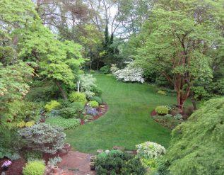 sallys-maryland-garden-finegardening