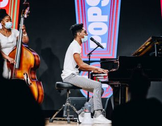 new-york-to-allow-limited-live-performances-to-resume-in-april