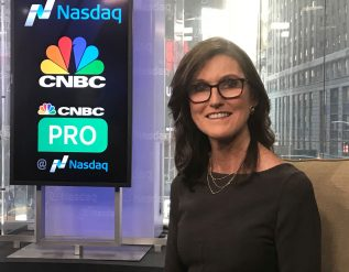 cathie-wood-says-the-underlying-bull-market-is-strengthening-and-shes-finding-great-buying-opportunities-in-the-sell-off