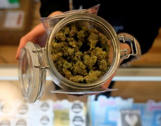 growgeneration-looks-east-with-new-york-closer-to-legalizing-cannabis