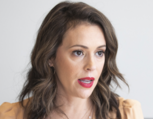 alyssa-milano-makes-horrifying-comparison-claims-cpac-attendees-are-nazis-and-pushes-conspiracy-theories-about-stage