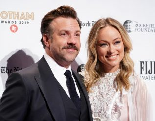 jason-sudeikis-thanks-olivia-wilde-in-critics-choice-speech