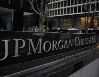 jpmorgan-chase-tells-u-s-employees-they-are-expected-back-to-the-office-on-a-rotating-basis-by-july