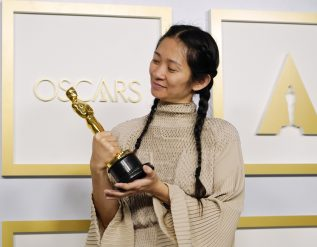 chloe-zhao-becomes-second-woman-to-win-best-director