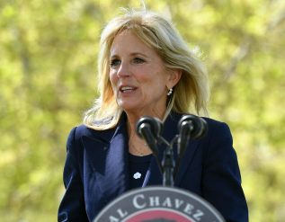 jill-biden-in-california-lends-support-to-farmworkers-seeking-vaccinations