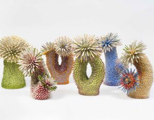 artist-zemer-peled-creates-textured-coral-sculptures-with-porcelain