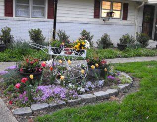 cathys-front-garden-cart-finegardening