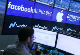 nasdaq-futures-slip-after-big-tech-selling-pushes-stocks-off-records