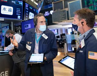 stock-futures-dip-slightly-after-wall-streets-worst-week-since-february
