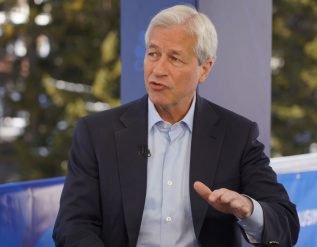 jpmorgan-is-hoarding-cash-because-very-good-chance-inflation-here-to-stay