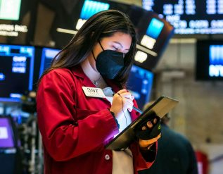 stock-futures-are-flat-after-dow-starts-week-lower