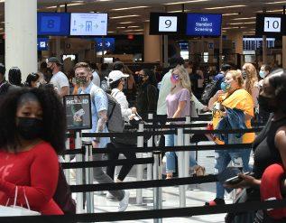 u-s-air-travel-reaches-pandemic-high-as-peak-season-kicks-off